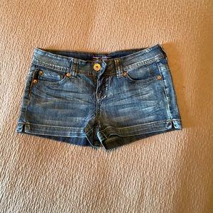Makers shorts